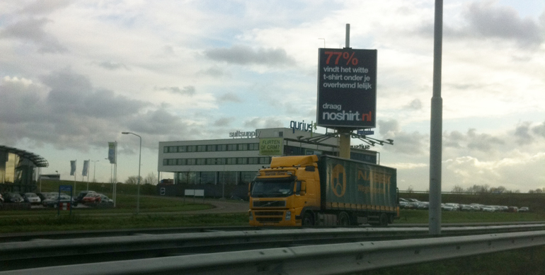 Noshirt Billboard #passeggio