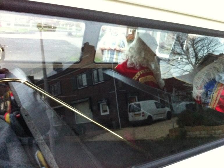 De Sint krijgt een lift van Betsy
