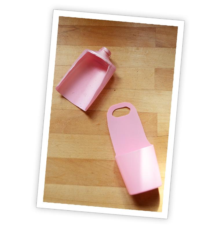 iPhoneHanger03
